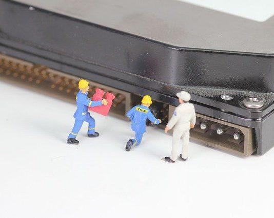 מטען למחשב נייד – לפי מה לבחור מטען?