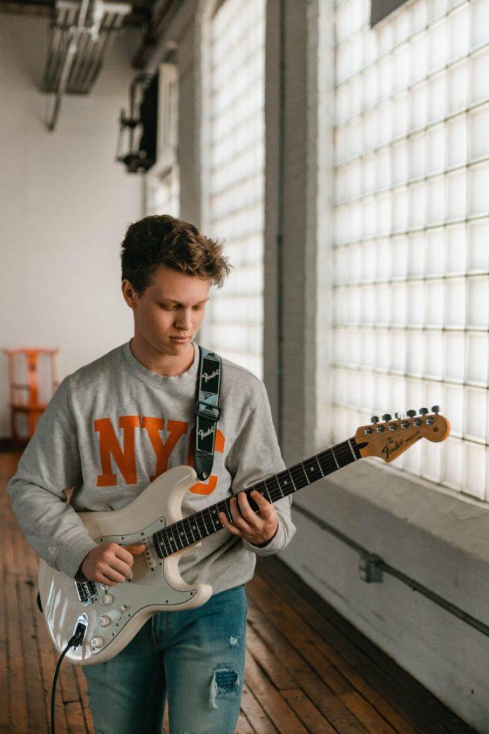 כל השיטות ללימודי גיטרה
